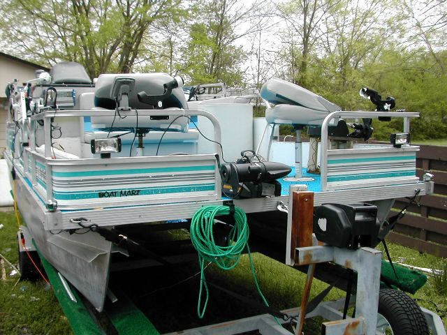 Used pontoon boats az